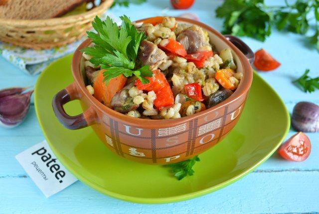 Рагу из курицы с овощами и перловкой