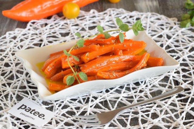 Морковь в апельсиновой глазури с тимьяном