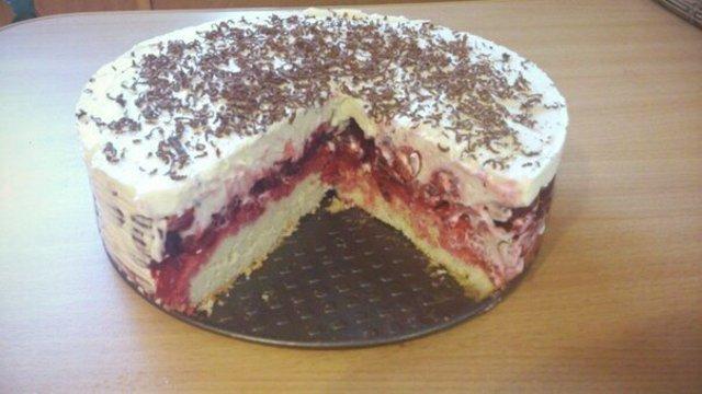 Вишневый торт с кремом из маскарпоне