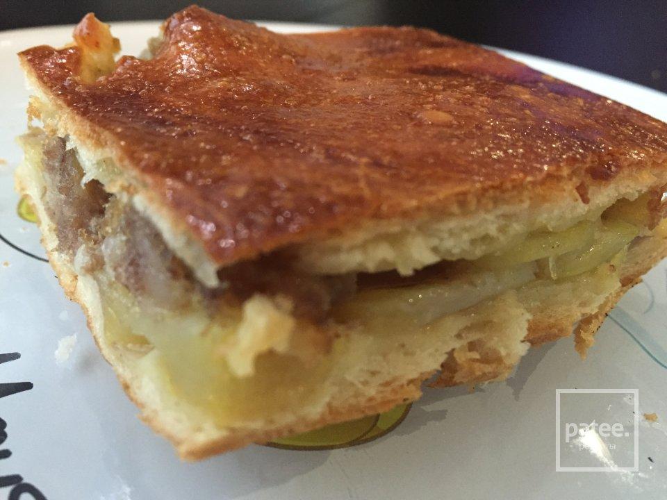 Домашний пирог с мясом и картошкой