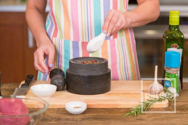 Ростбиф, маринованный в соевом соусе