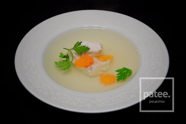 Легкий петушиный суп с судаком
