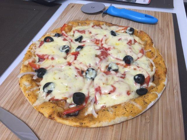Пицца на без дрожжевом тесте
