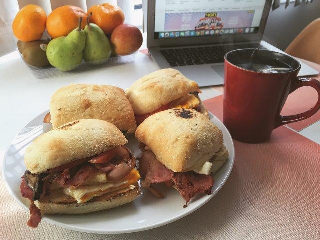 Бургеры на завтрак