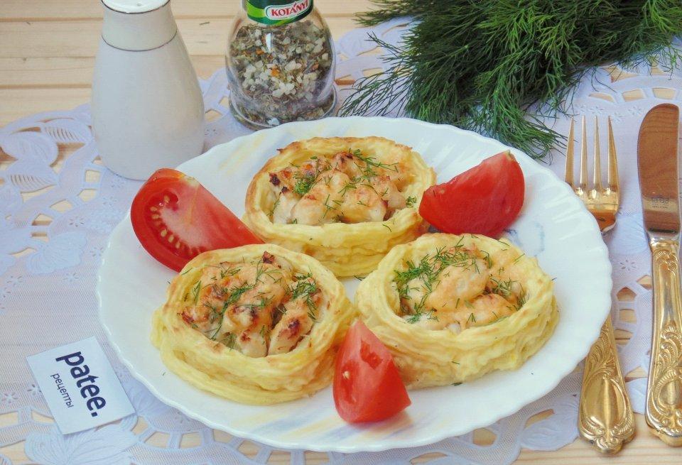 Картофельные гнезда с куриным филе