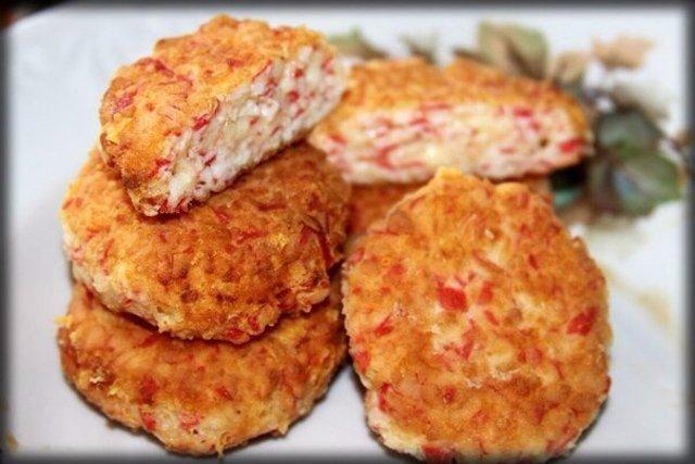 Рецепт котлет из крабовых палочек и сыра