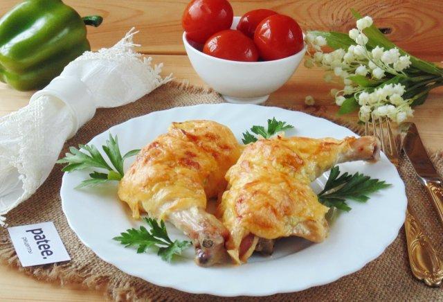 Куриные окорочка под сыром в духовке