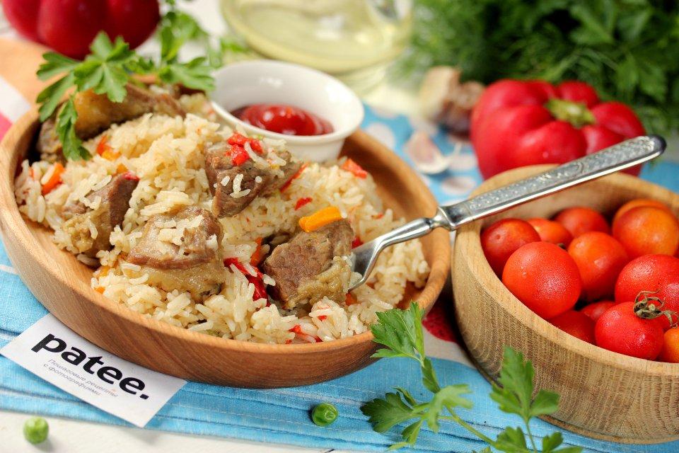Говядина с овощами и рисом в мультиварке