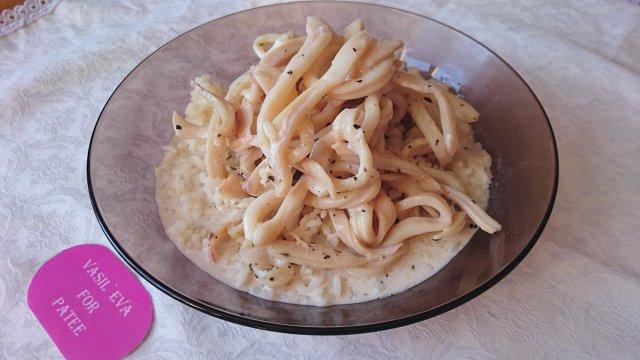Рецепт кальмаров в сметанном соусе пошагово 32