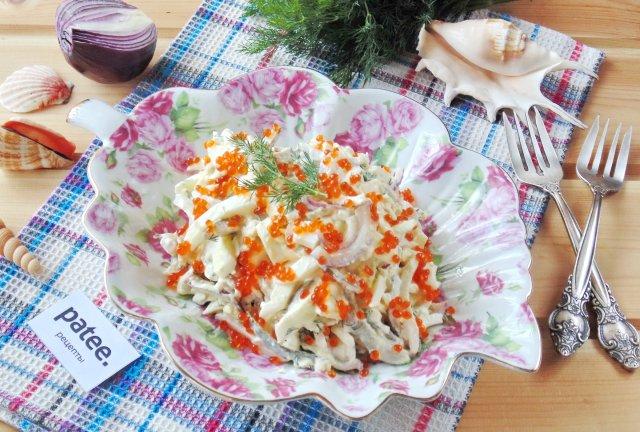 Салат с кальмарами и плавленым сыром