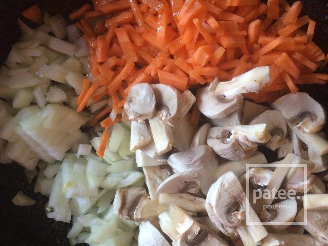Гречка с овощами и сыром Дор бою.