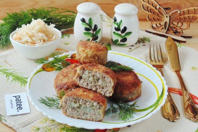 Мясные зразы с рисом и грибами