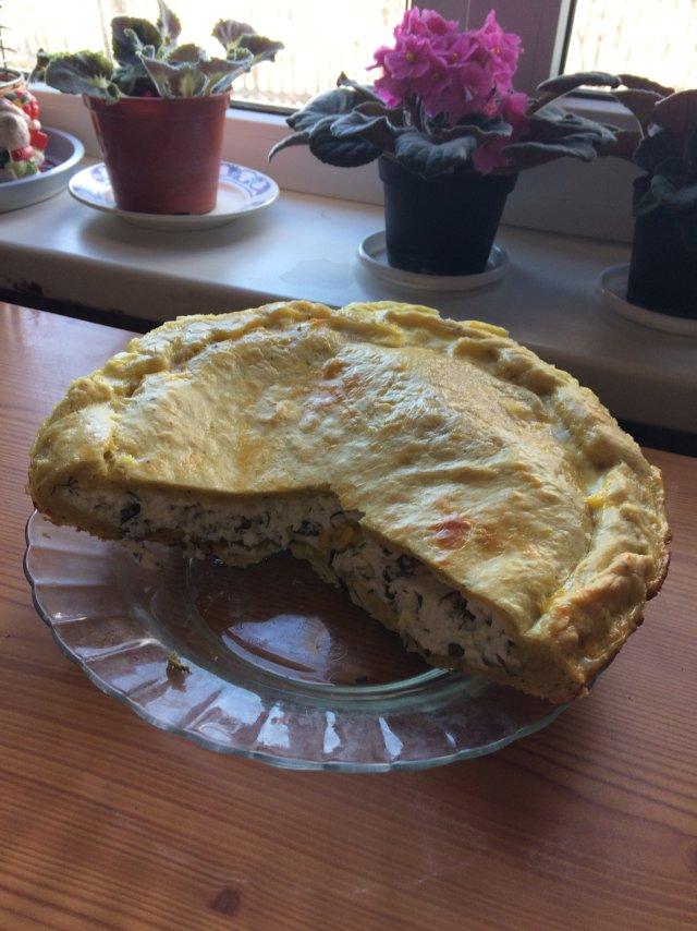Творожный пирог с зеленью.