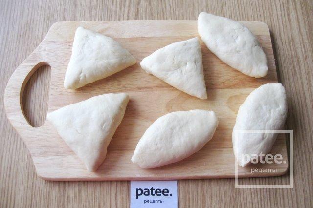 Пирожки с рисом и грибами в духовке