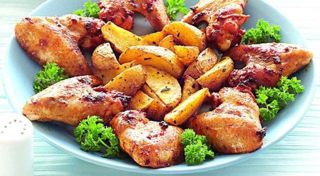 маринованные крылышки в духовке с картошкой рецепт