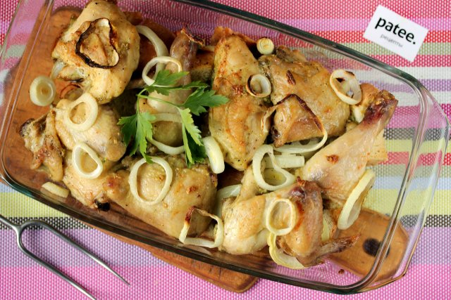 Курица, запечённая в духовке с хлебом