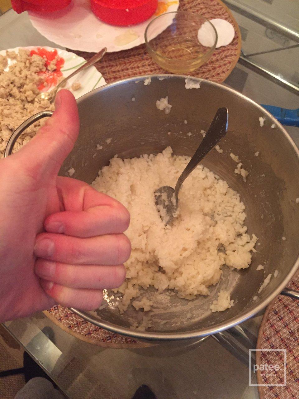 Рисовые пирожки с куриным фаршем