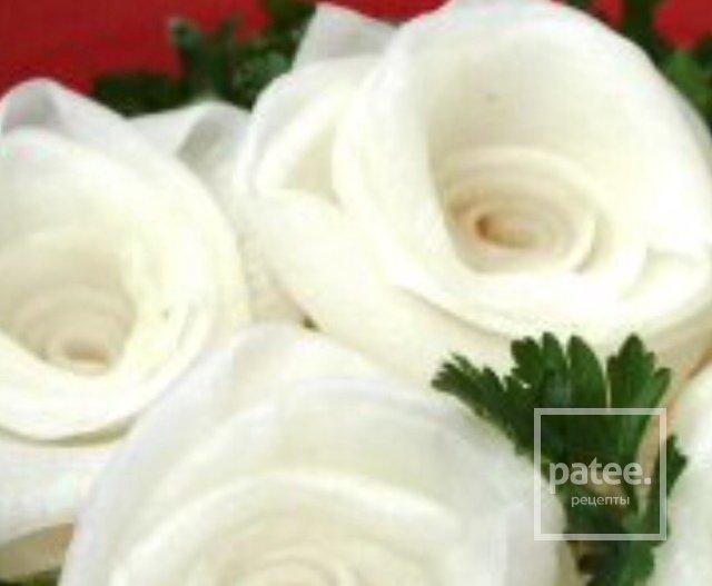 "Салат ""Три белые розы"""