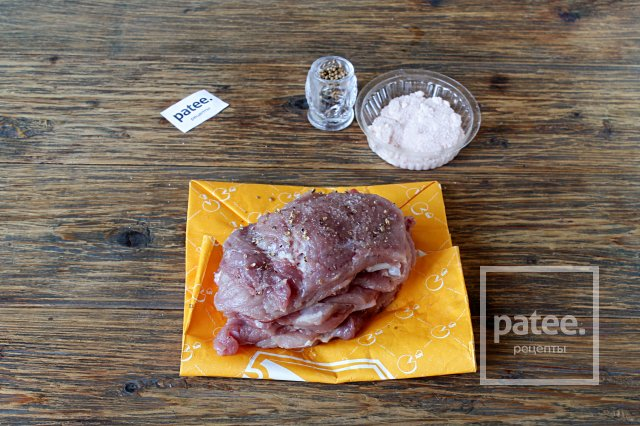 Свиные биточки в сухарях