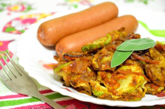 Кабачки с луком и татарским соусом