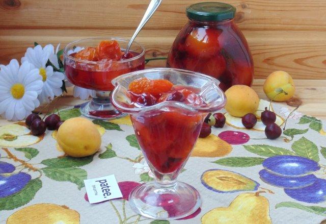 Варенье из вишни и абрикосов