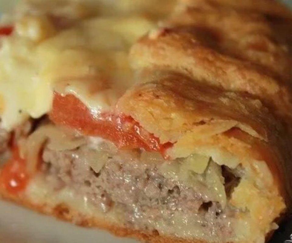 Открытый картофельный пирог с мясом