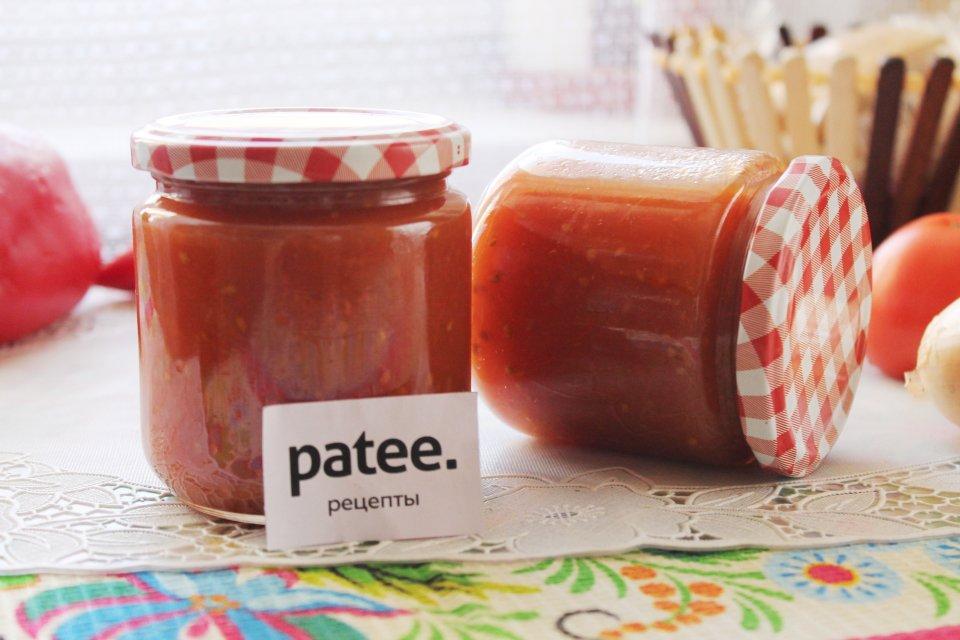 Сладкий кетчуп из помидоров с луком на зиму