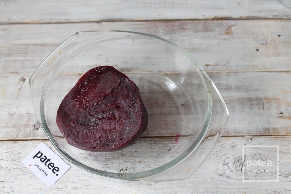 Салат из свёклы с чесноком и майонезом