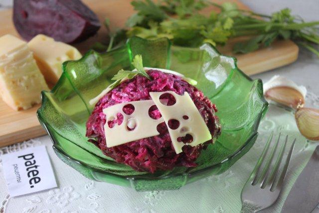 Салат из свёклы с сыром и майонезом