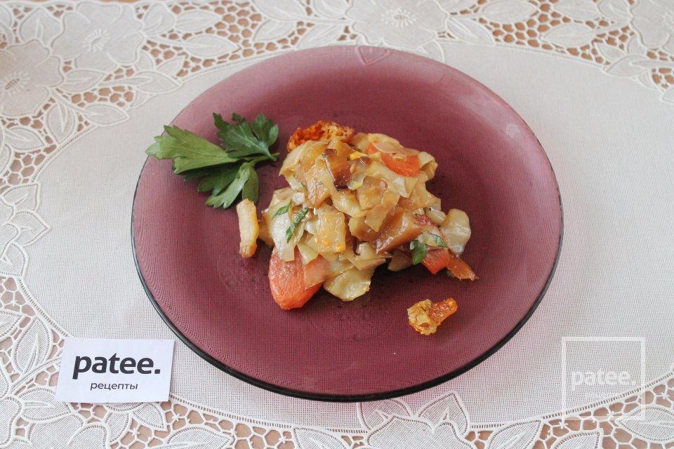 Капуста с картошкой в духовке на гарнир