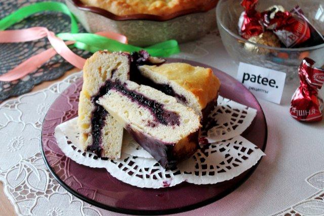 Черничный дрожжевой пирог