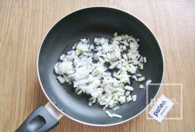 Тушеная капуста с тыквой и салями