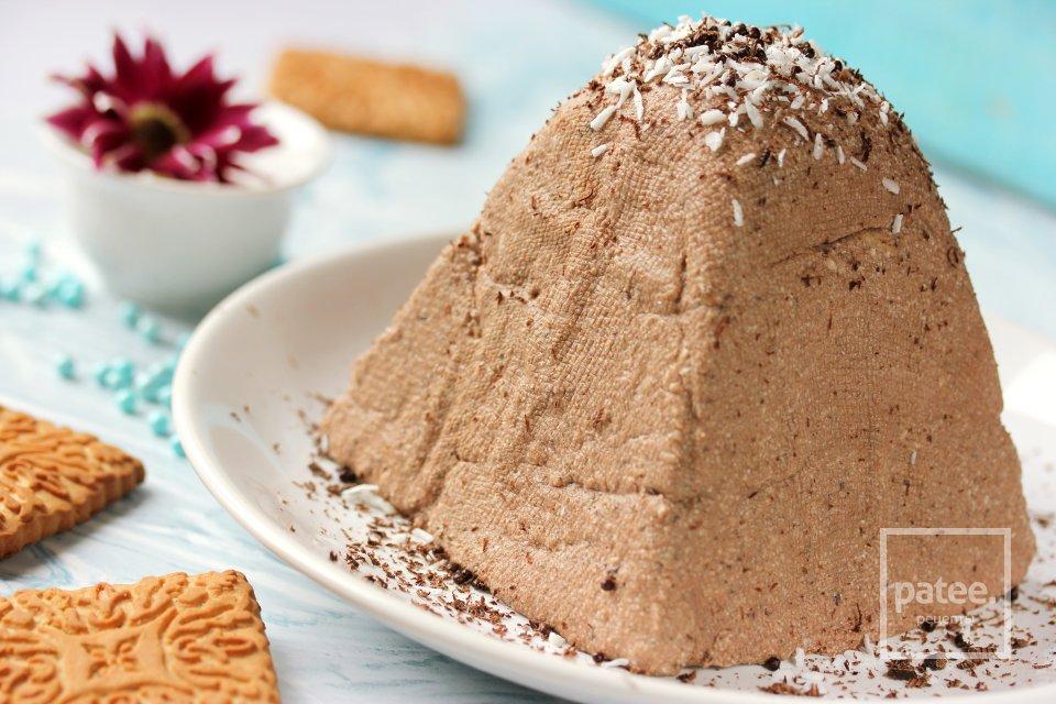 Шоколадная пасха с кокосом и печеньем