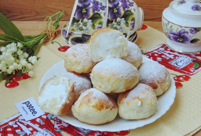 Итальянские булочки со взбитыми сливками
