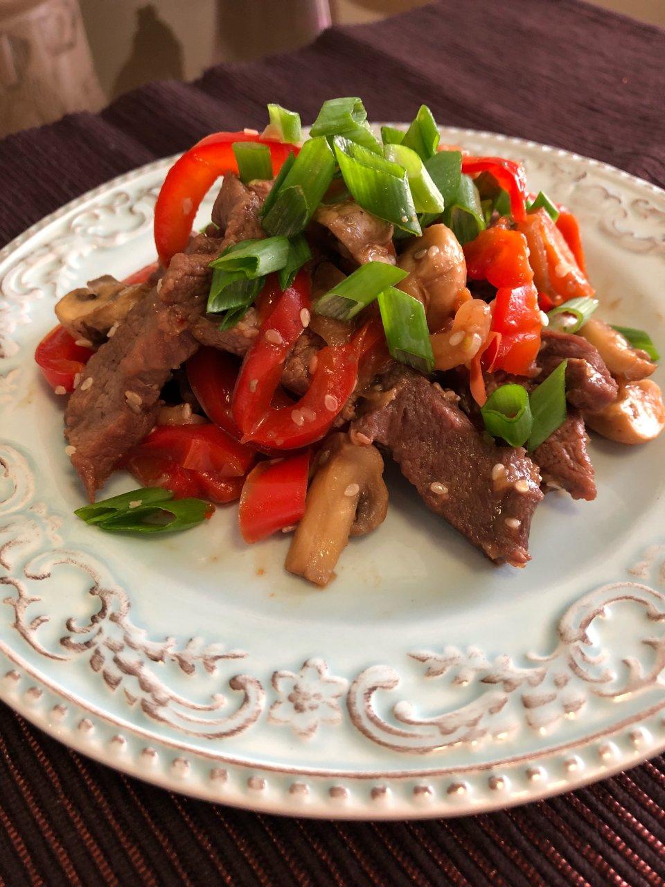Говядина с овощами с стиле стир-фрай