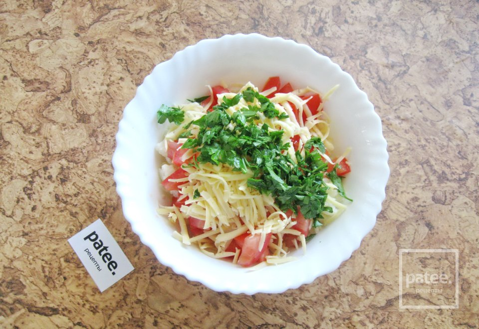 Салат с цветной капустой и помидором