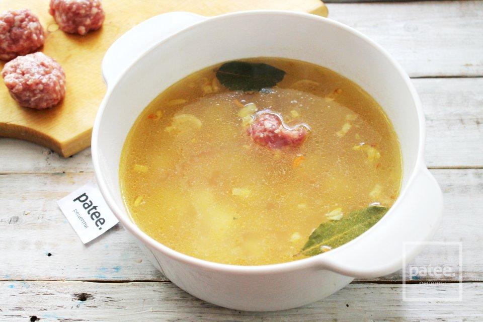 Суп с мясными фрикадельками и чечевицей