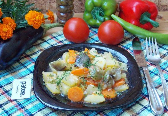 Овощное рагу с кабачком и баклажаном