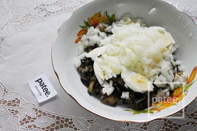 Вкуснейший салат из баклажанов с яйцом