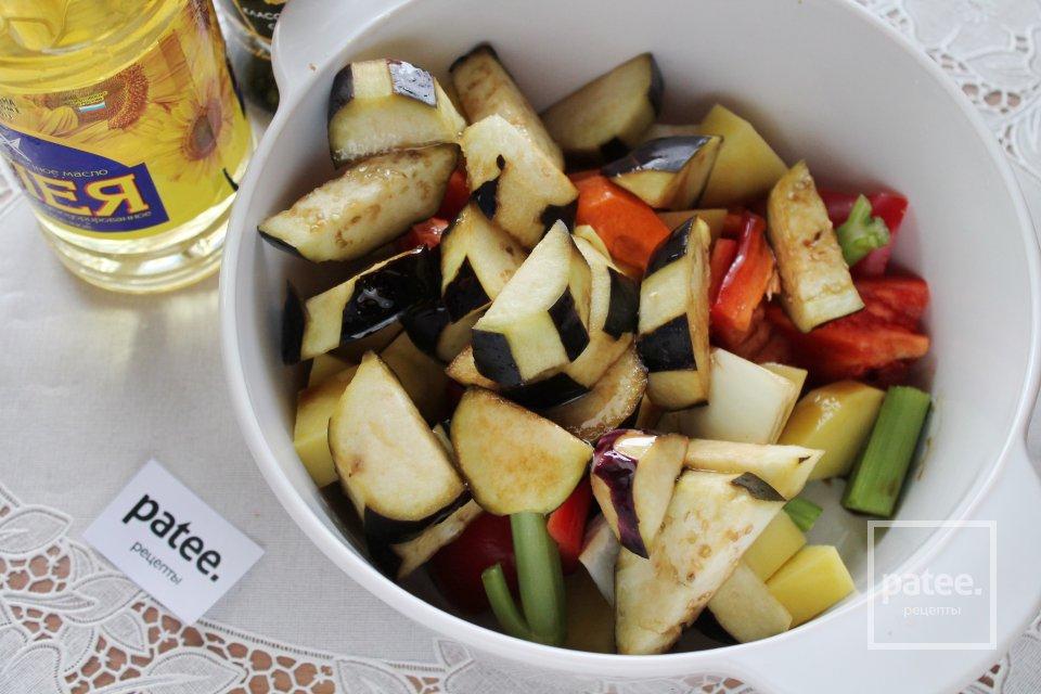 Говядина, запеченная в рукаве с овощами