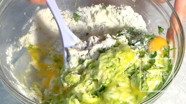 Овощной рулет из кабачков с начинкой