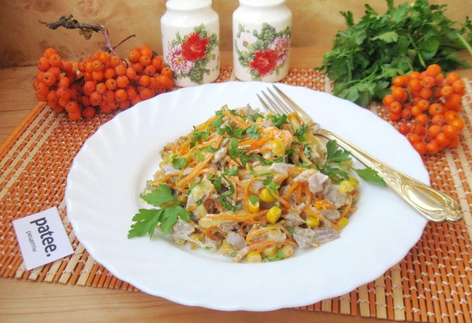 Салат с отварной индейкой и морковью по-корейски