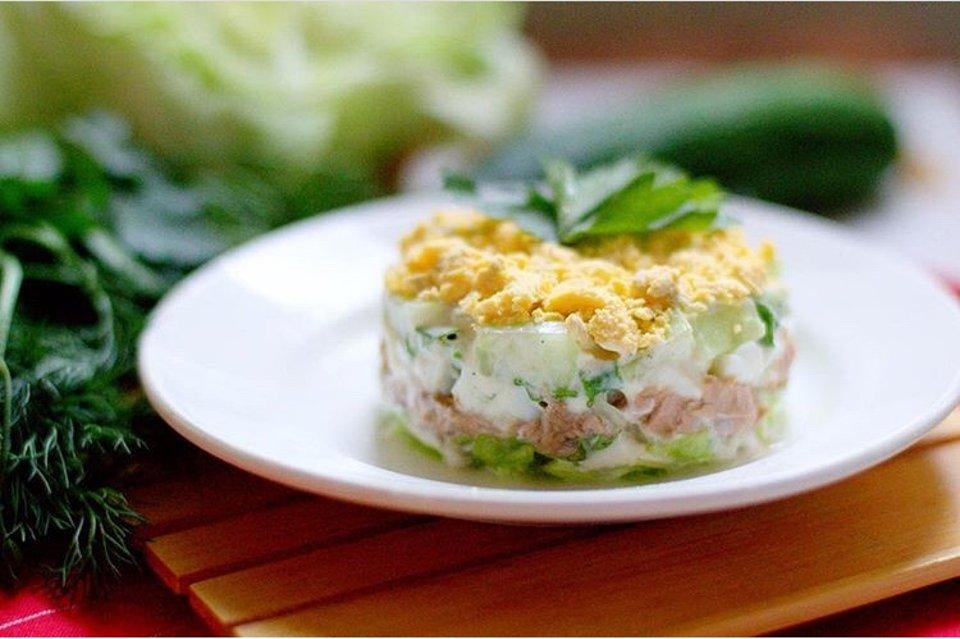 Вкусный салатик с тунцом (низкокалорийный)