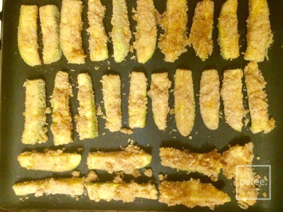 Кабачковые палочки в сырной панировке.