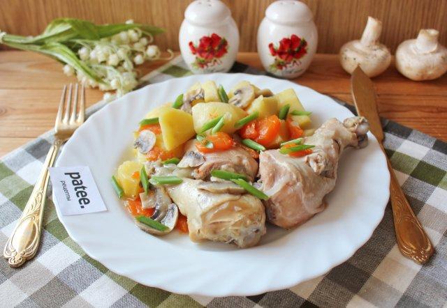 Жаркое из курицы с картофелем и грибами в банке