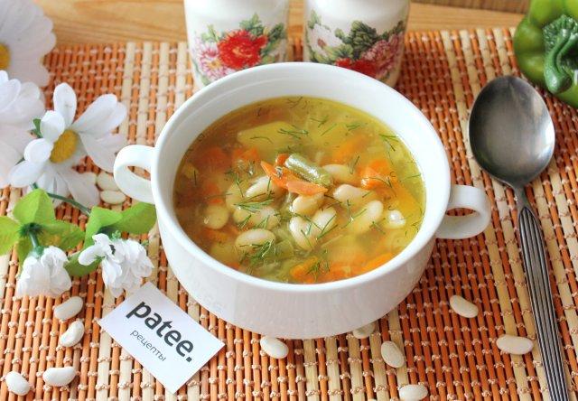 Суп с белой и зеленой фасолью