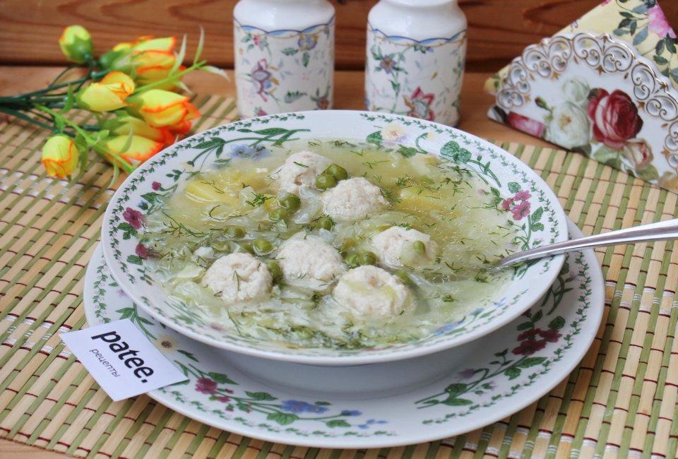 Суп с молодой капустой и зеленым горошком