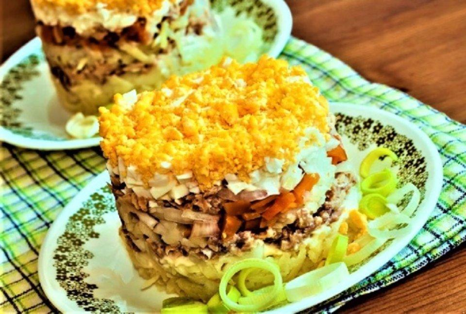 Изумительно вкусный салат с тунцом