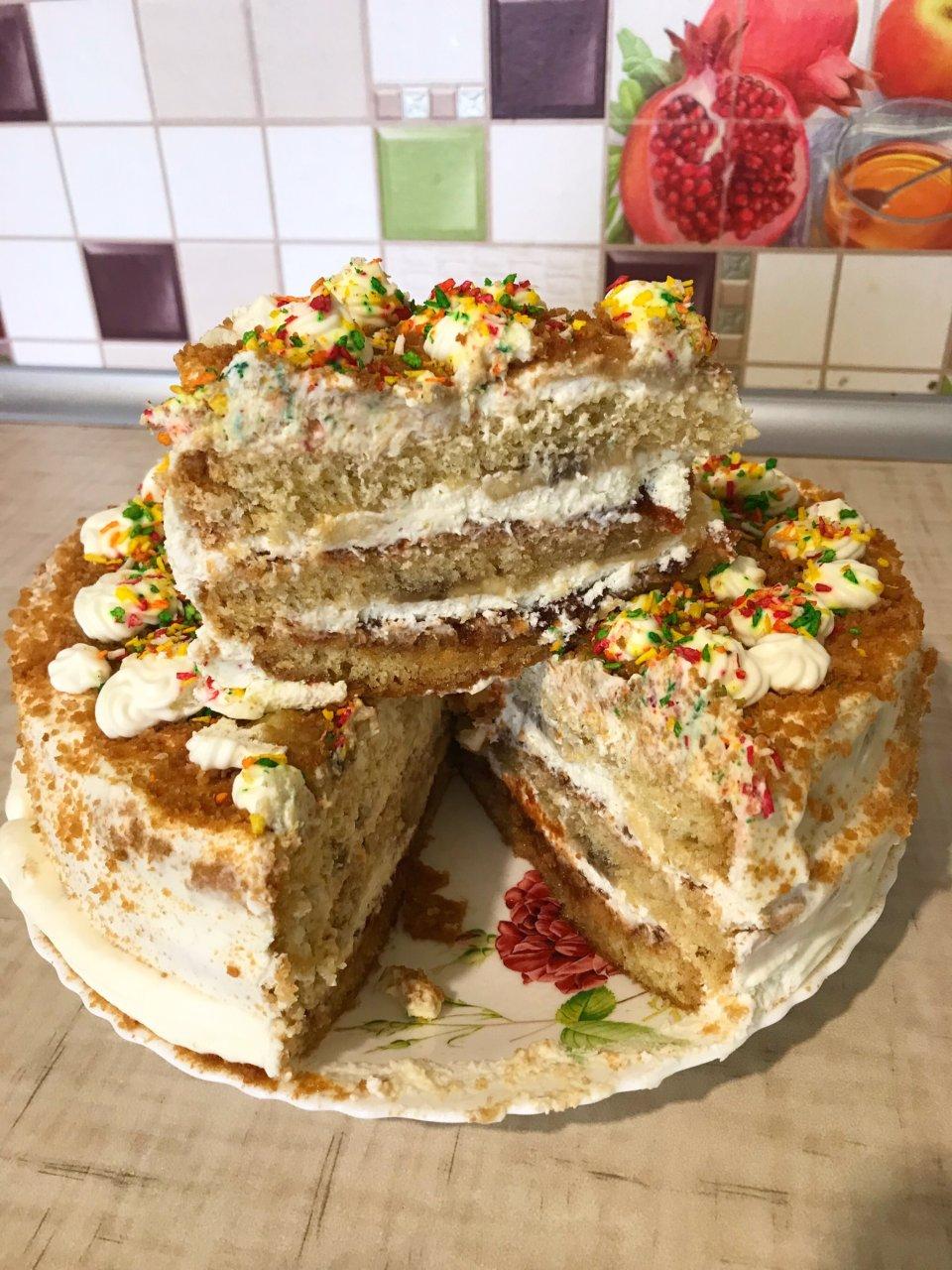 Бисквитный торт с начинкой