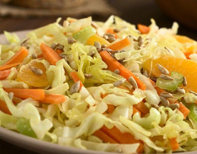 Салат с апельсином и морковью